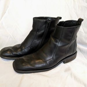 KENNETH COLE | Black Leather Boots